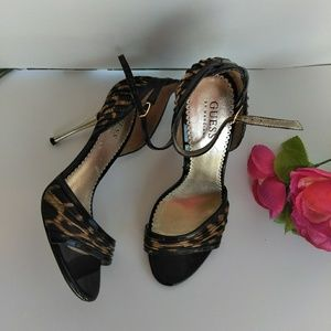 Guess Heel's size 7